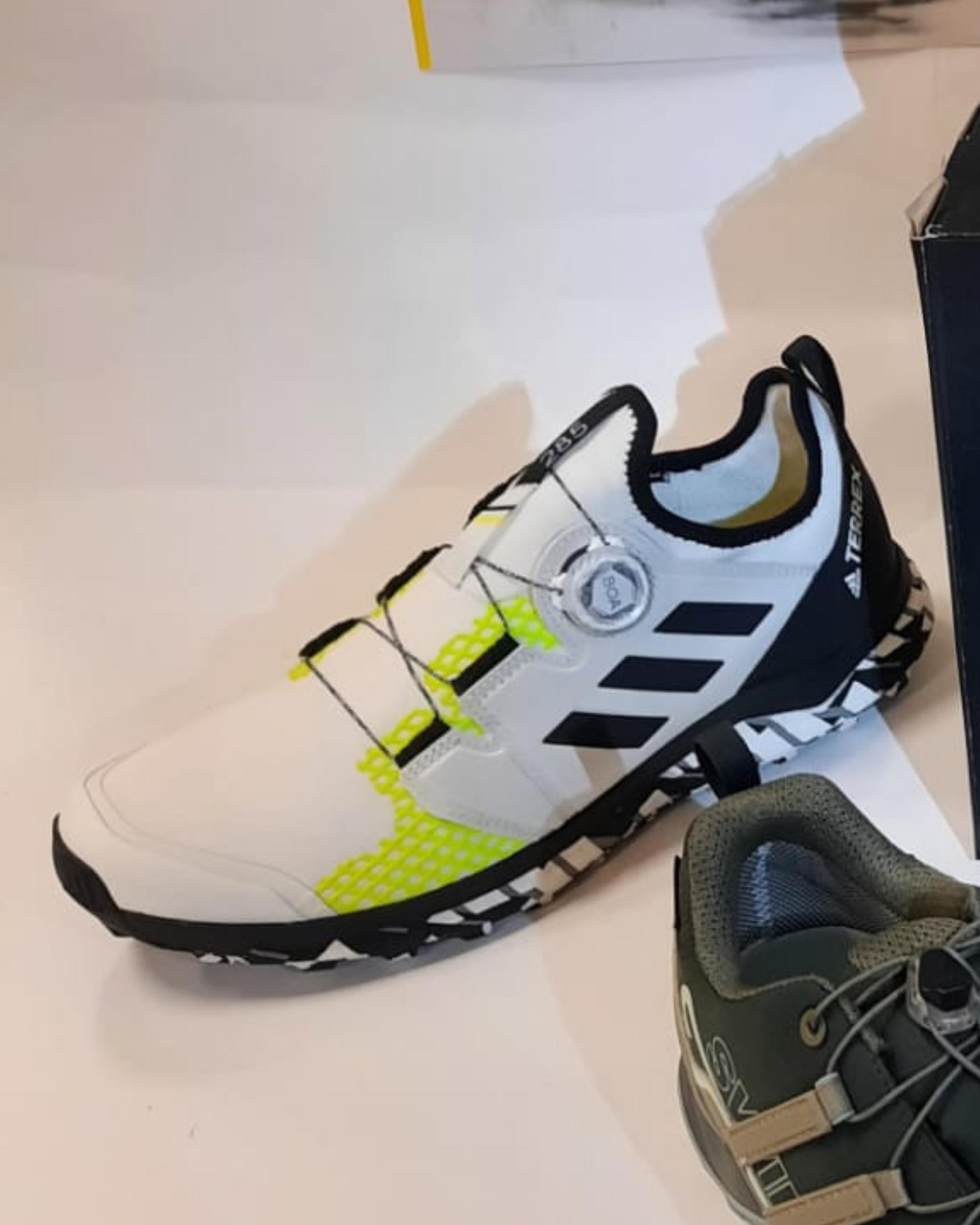 Chaussures Trail Adidas Terrex Agravic B - Intersport Morzine
